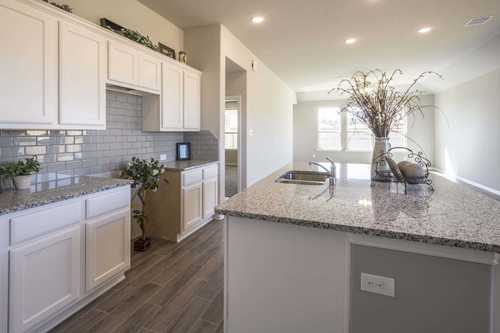 Kitchen-in-Plan Windsor-at-Balmoral-in-Humble