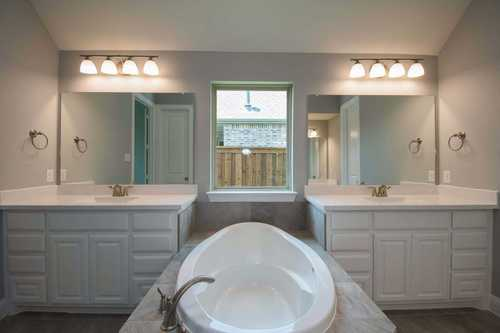 Bathroom-in-Plan 274-at-Lantana: Reata-in-Lantana
