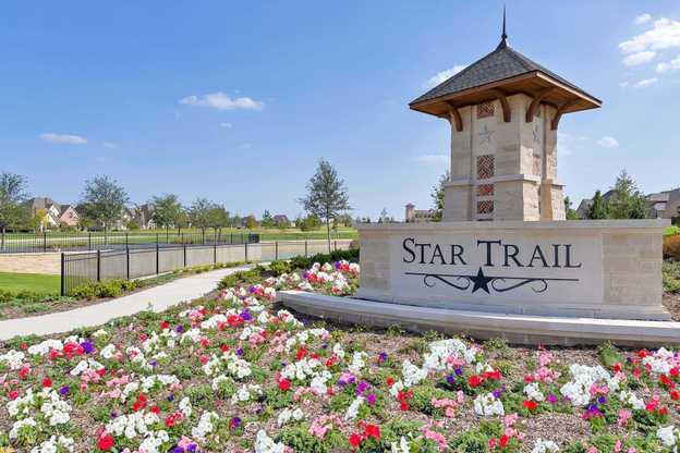 Star Trail: 86ft. lots,75078