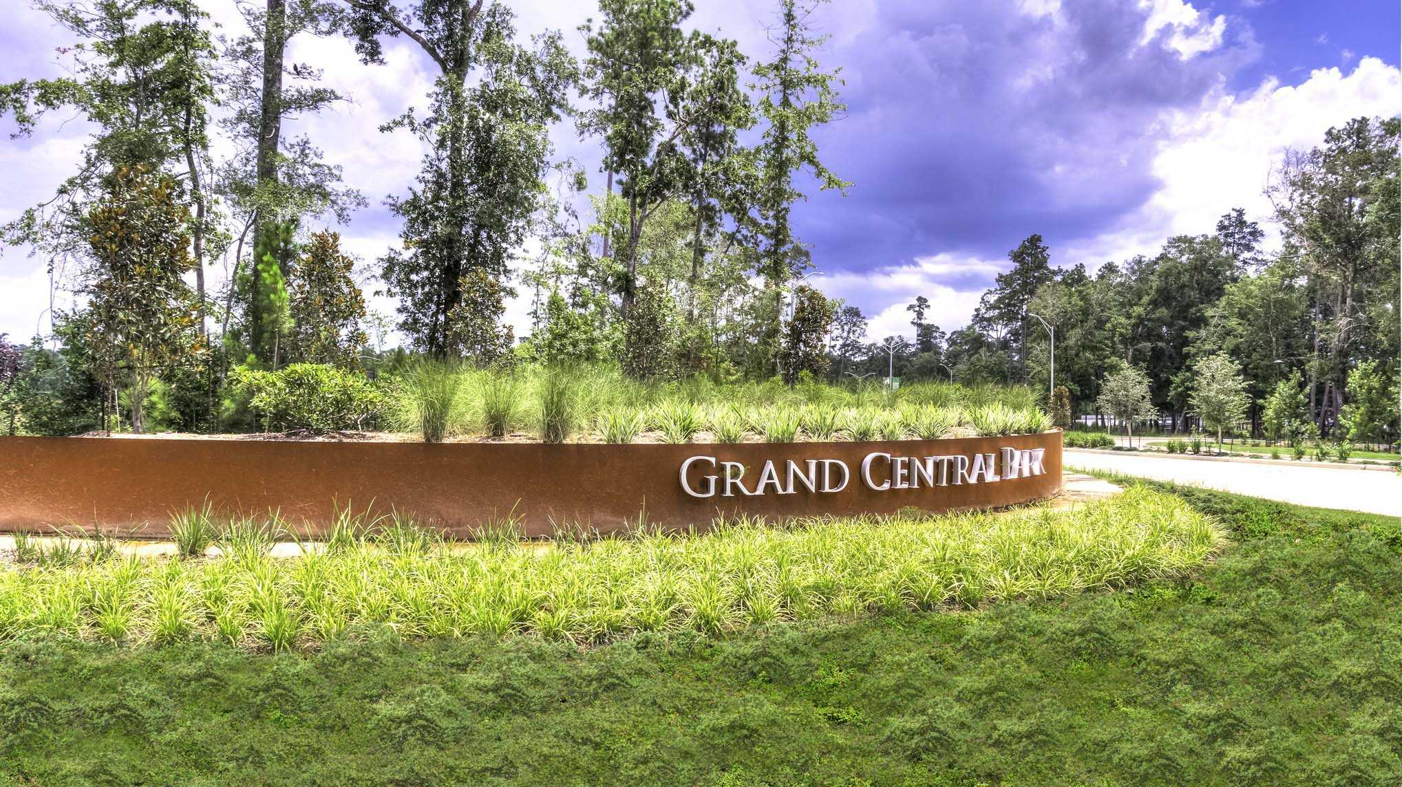 'Grand Central Park: 55ft. lots' by Highland Homes in Houston