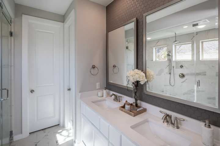 Bathroom featured in the Plan Ellington By Highland Homes in Dallas, TX