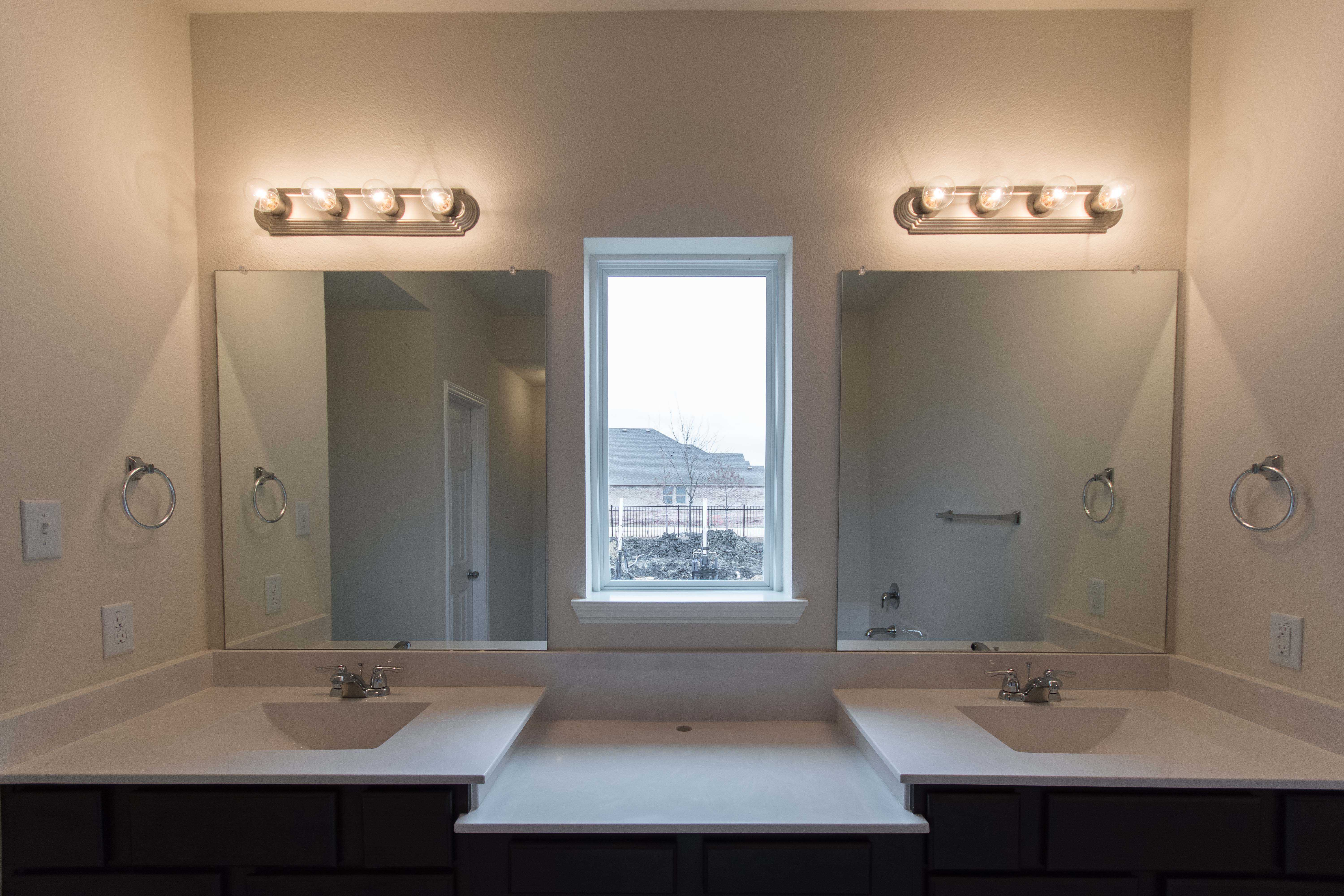 Bathroom featured in the Plan Eastbourne By Highland Homes in Dallas, TX