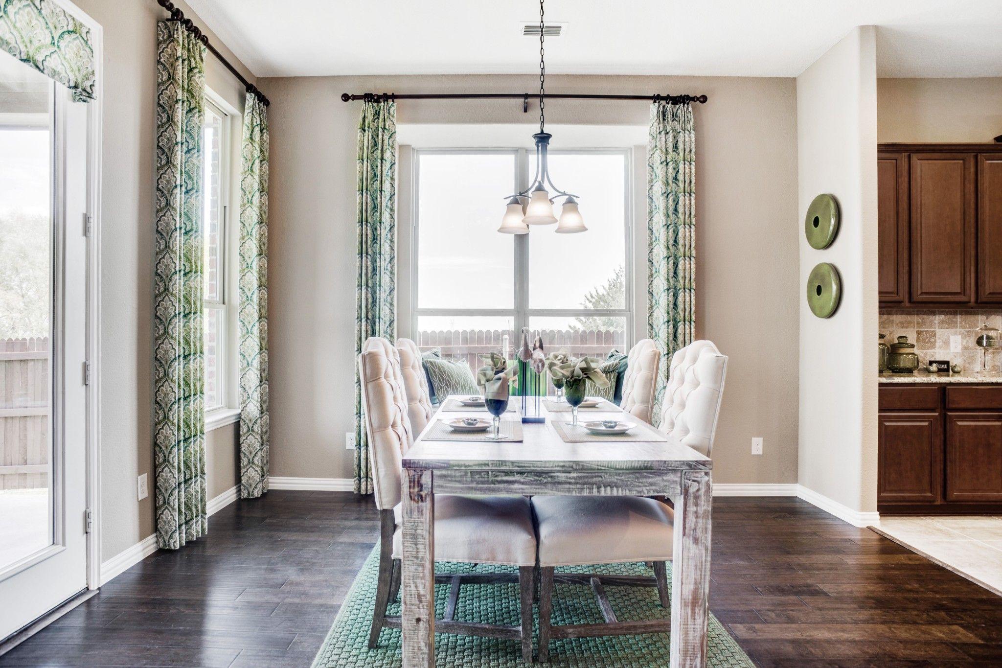 'Bozman Farms 65s' by HistoryMaker Homes in Dallas