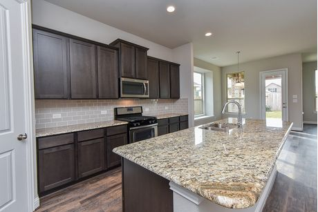 Kitchen-in-Alder - 323101-Alder-at-Wright's Landing-in-Spring