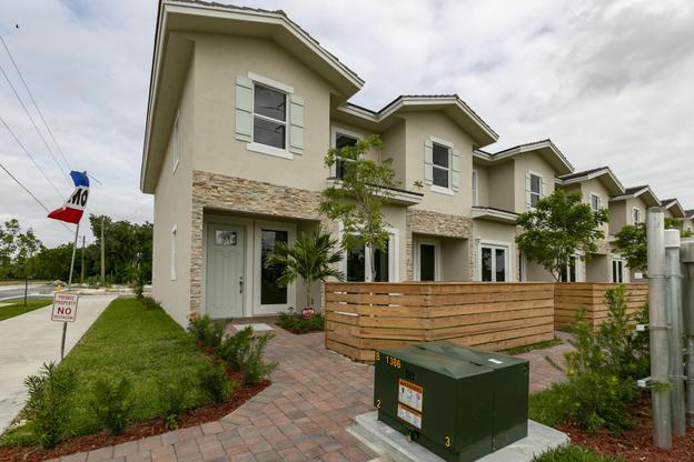 Homestead FL Real Estate:The Townhomes on Coconut Palm