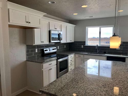 Kitchen-in-Alturas-at-White Acres-in-Meridian