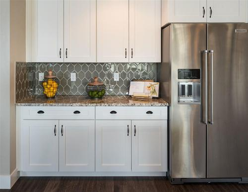 Wet-Bar-in-Crestwood-at-White Acres-in-Meridian
