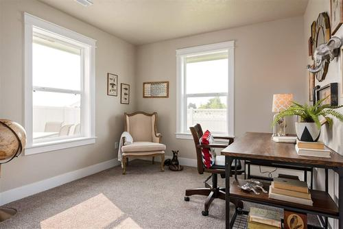 Study-in-Crestwood-at-White Acres-in-Meridian