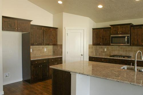 Kitchen-in-Brookfield-at-White Acres-in-Meridian