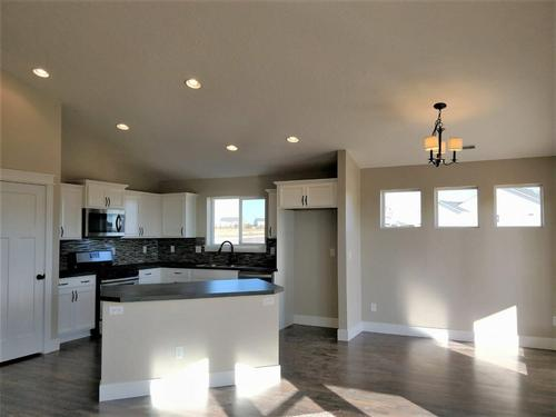 Kitchen-in-Birch-at-Windsor Creek East-in-Caldwell