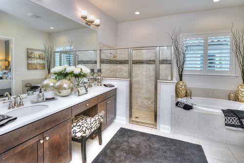 Bathroom-in-Juliette-at-Waters Edge-in-Port Orange