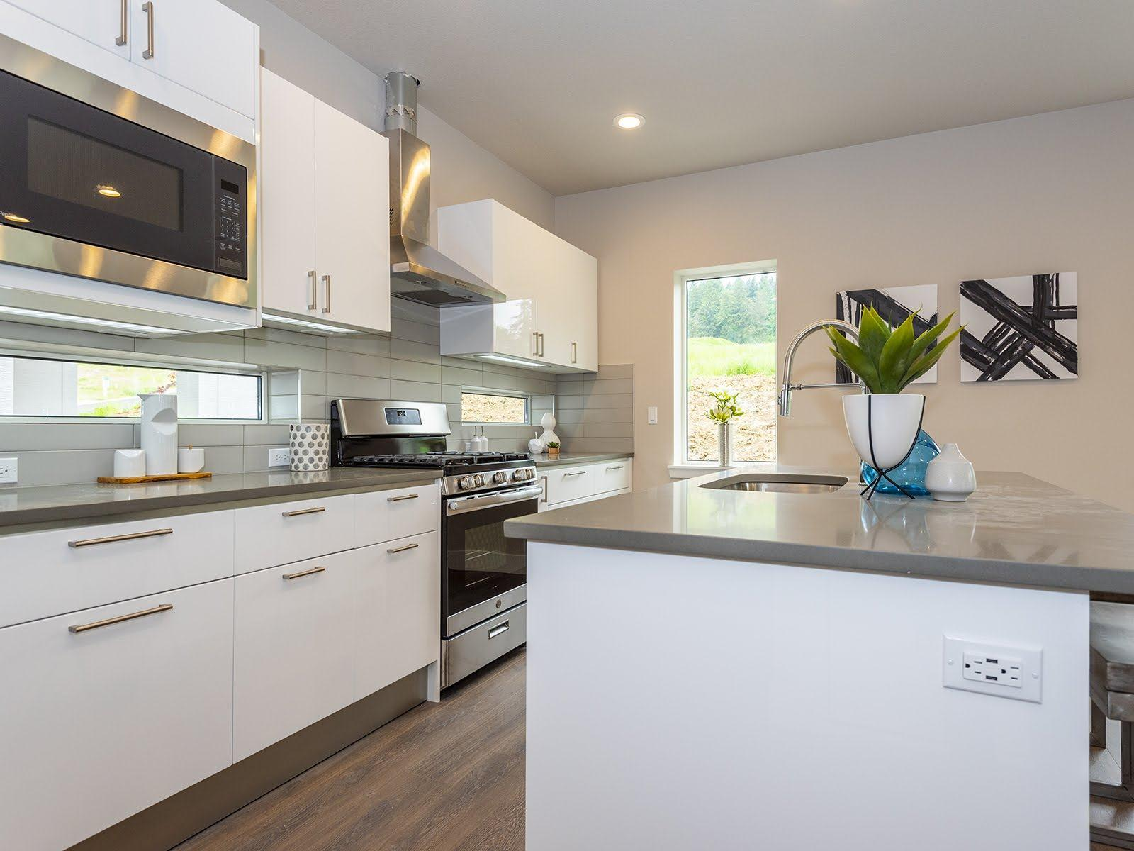 Kitchen featured in the Sakura By Ichijo USA in Portland-Vancouver, OR