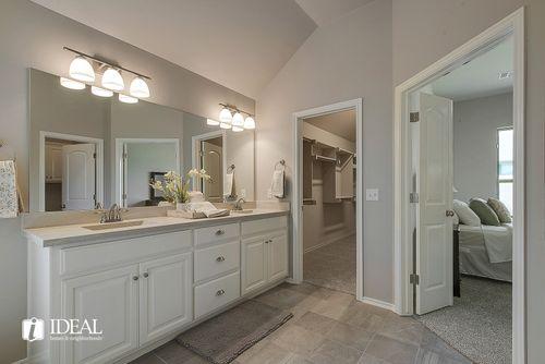 Bathroom-in-Kincaid-at-Valencia-in-Edmond