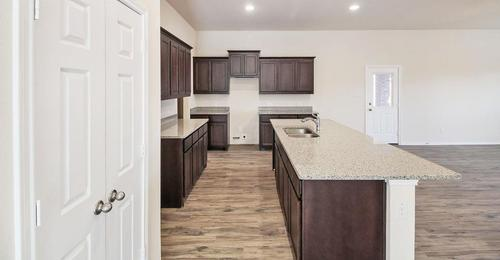 Kitchen-in-Rochester-at-Waterscape-in-Royse City