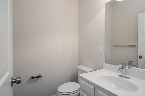 Bathroom-in-The Magothy-at-Potomac Overlook Brownstones-in-National Harbor