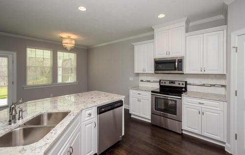 Kitchen-in-Hemingway-at-Canterbury Farms-in-Grovetown