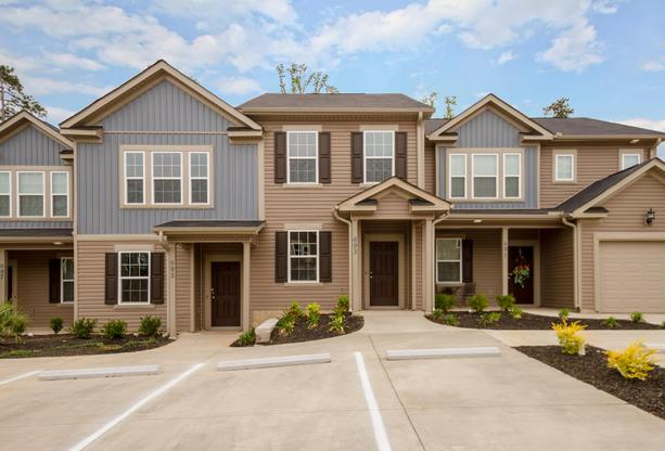 Exterior:693 Red Cedar Court Grovetown-print-001-18-Front Of Home-4200x2855-300dpi