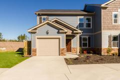 1810 Butternut Drive (Brighton Woods 3 Bedroom Townhome)