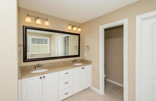 Bathroom-in-Hemingway-at-Caroleton-in-Grovetown