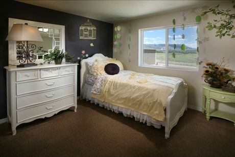 Bedroom-in-The Avenues-at-Gold Hill Mesa-in-Colorado Springs