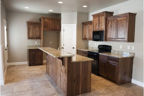 Kitchen-in-Kellie-at-Mountain Gate-in-Hyde Park
