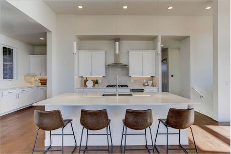 Kitchen-in-Lustra-at-Vivant-in-Parker