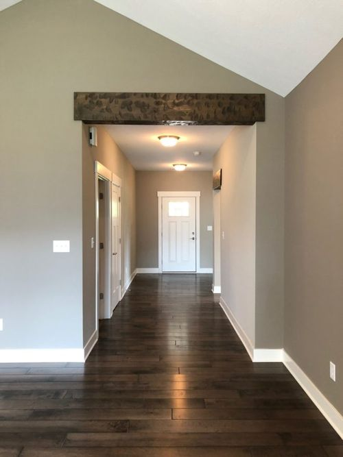 Hallway-in-The Cambridge-at-Summerset-in-Greenfield