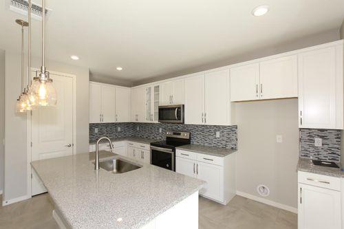 Kitchen-in-Plan 1711-at-Cobblestone Villas-in-Gilbert