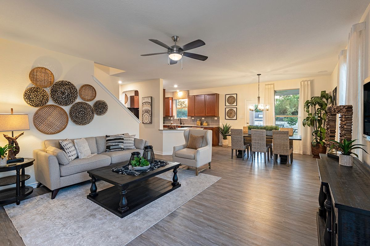 Greatroom-and-Dining-in-Plan 1909-at-Stonegate-in-San Antonio