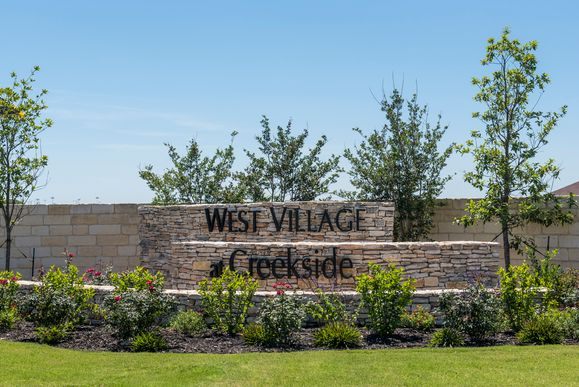 West Village at Creekside - Heritage Collection,78130