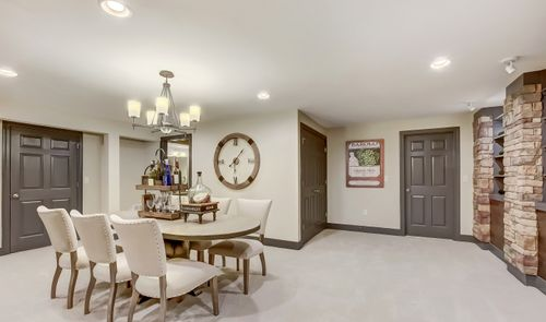Dining-in-Wheaton-at-Four Ponds at Lincroft-in-Lincroft