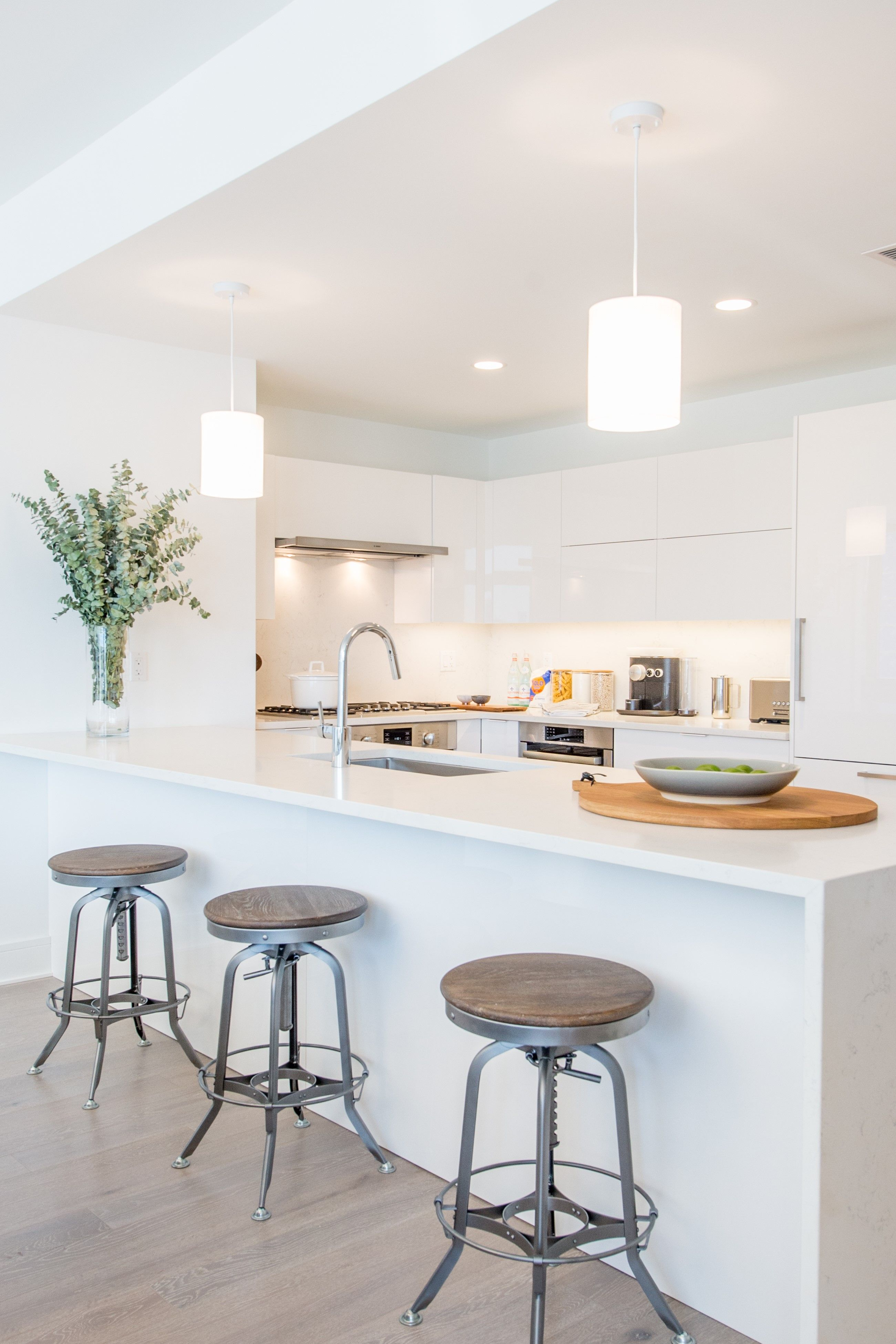 Kitchen-in-C14-at-Nine on the Hudson-in-West New York
