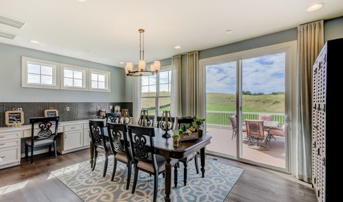 Dining-in-Colorado-at-The Estates at Cedar Lane-in-Middletown
