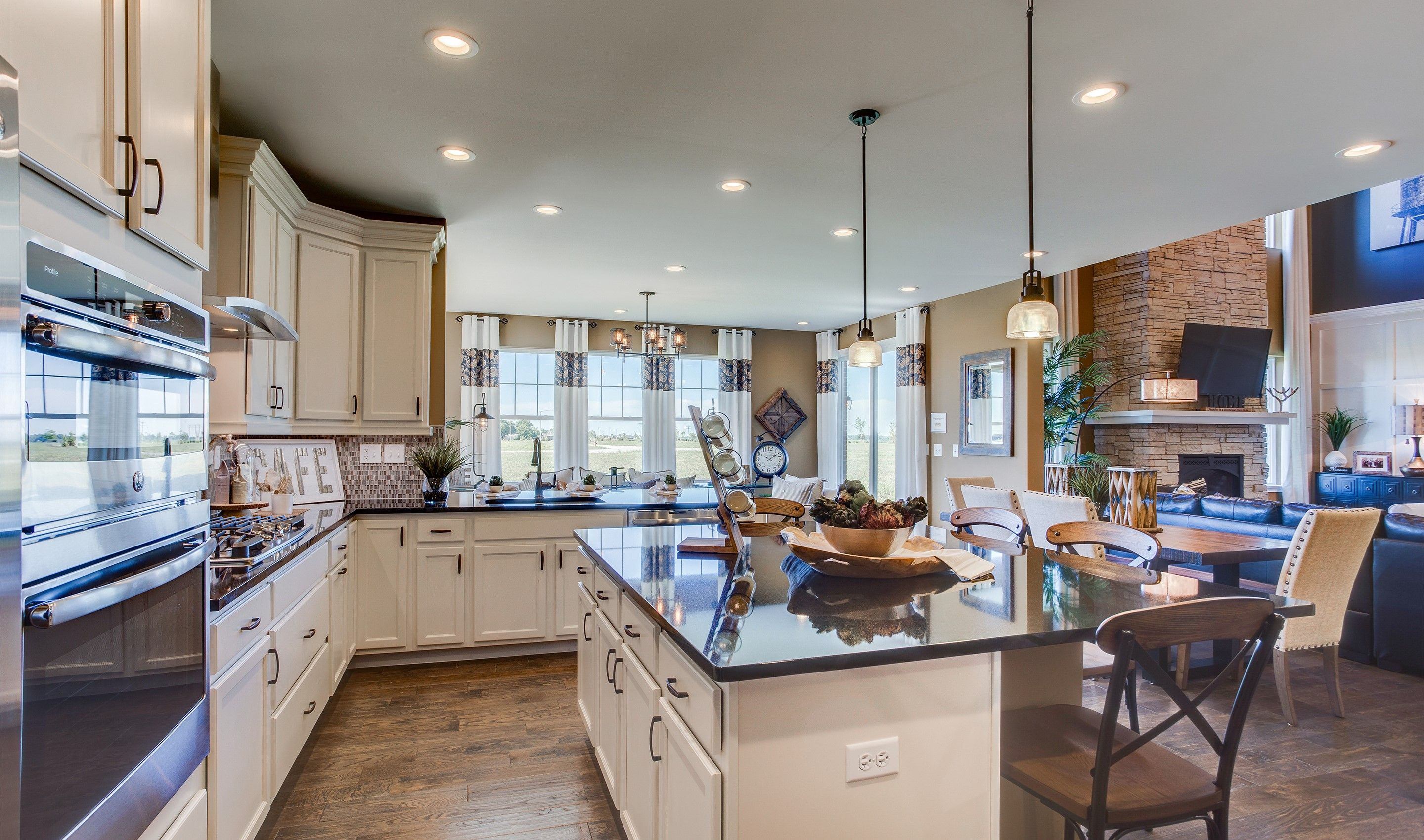 Kitchen-in-Dover-at-North Pointe Estates-in-Libertyville