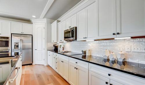 Kitchen-in-St Michaels-at-Chestnut Ridge-in-Magnolia