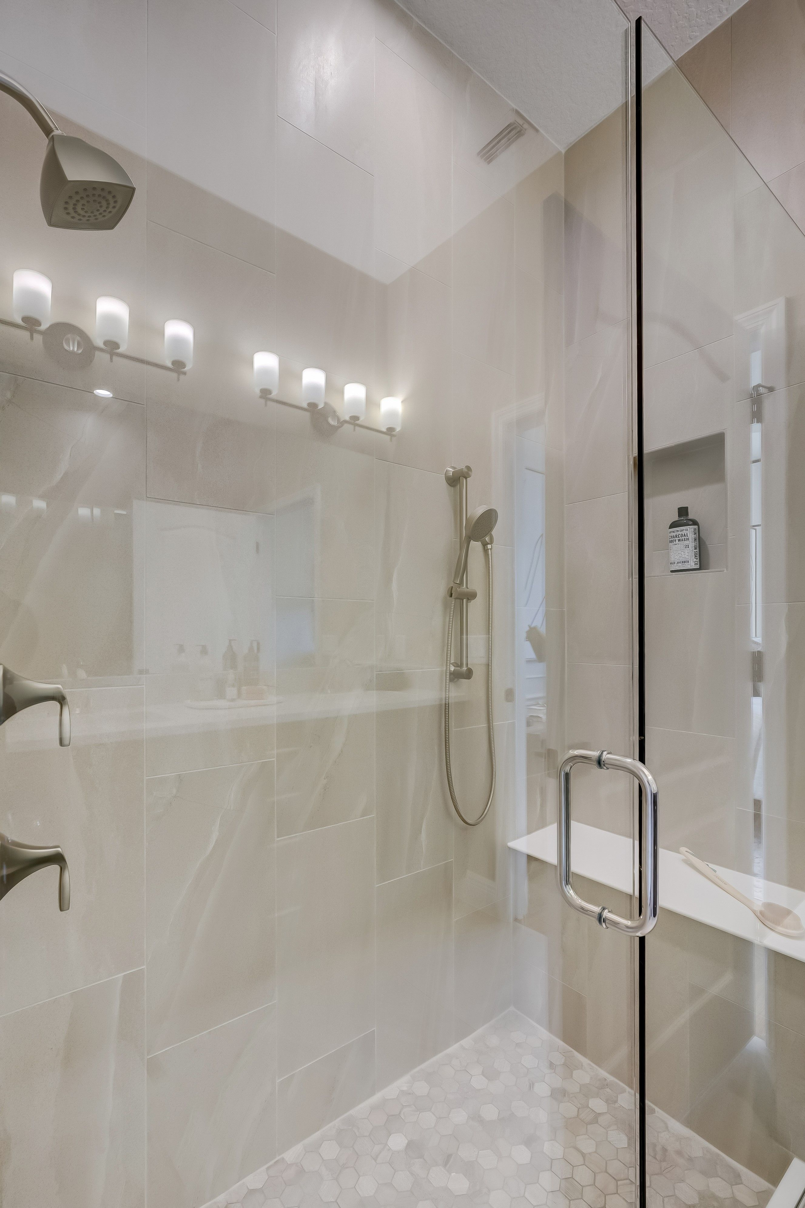 Bathroom featured in the Emerie By K. Hovnanian's® Four Seasons in Orlando, FL