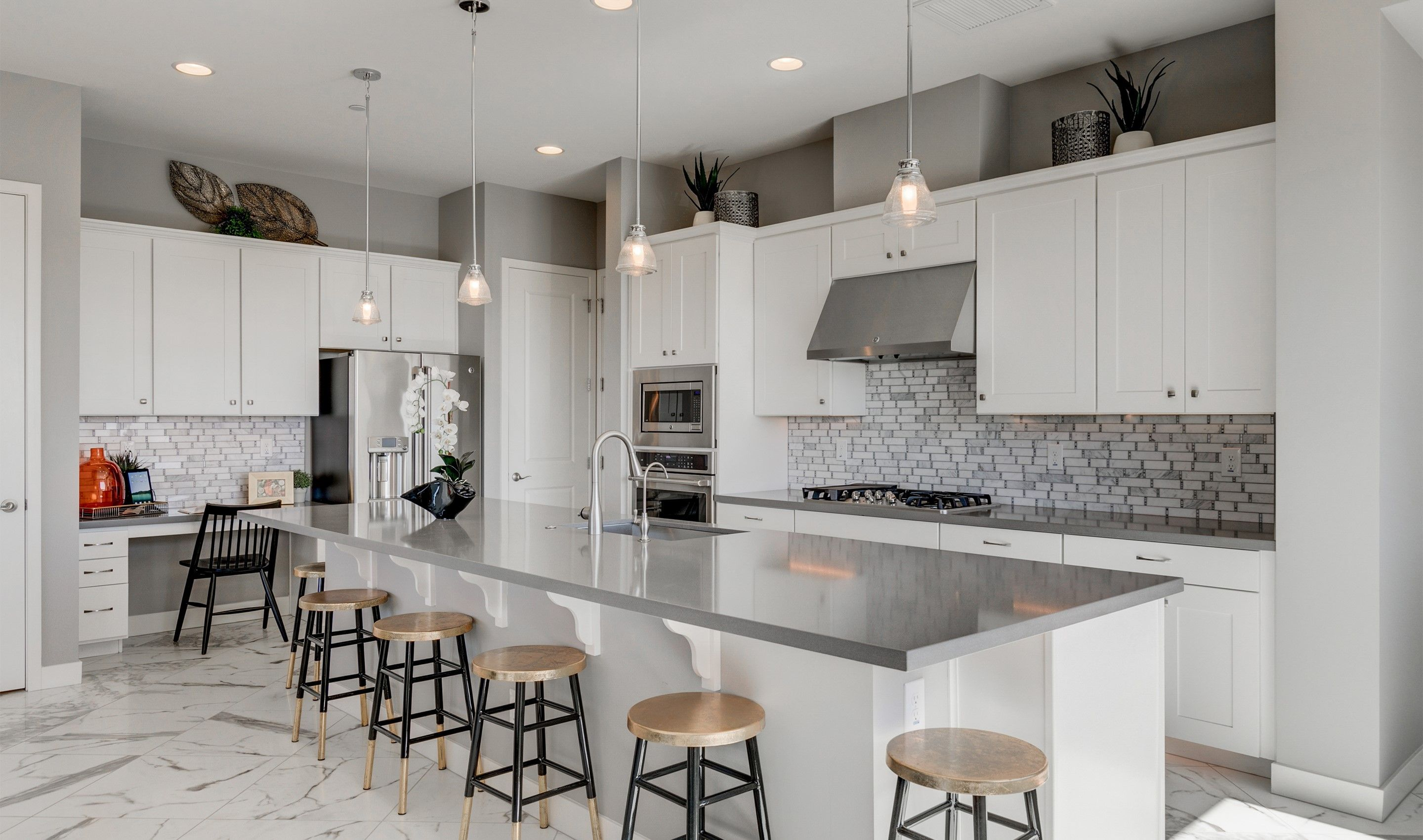 Kitchen-in-Eagletail-at-Pinnacle at Silverstone-in-Scottsdale