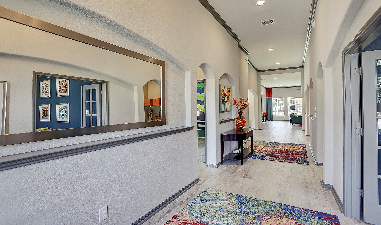 Hallway-in-Hayden-at-Woodshore-in-Clute