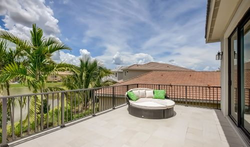 Patio-in-Sinclaire-at-Coral Lago-in-Coral Springs