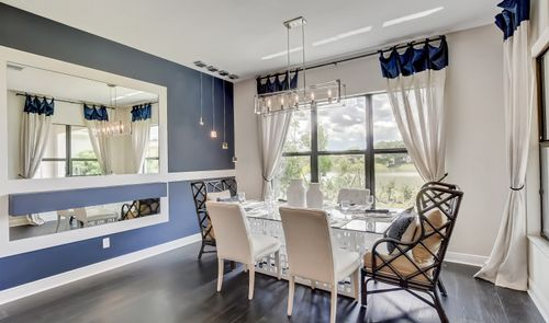 Dining-in-Vitale-at-Coral Lago-in-Coral Springs