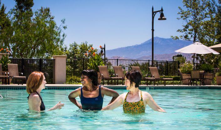 pool3-4-seasons-commAspot-CA