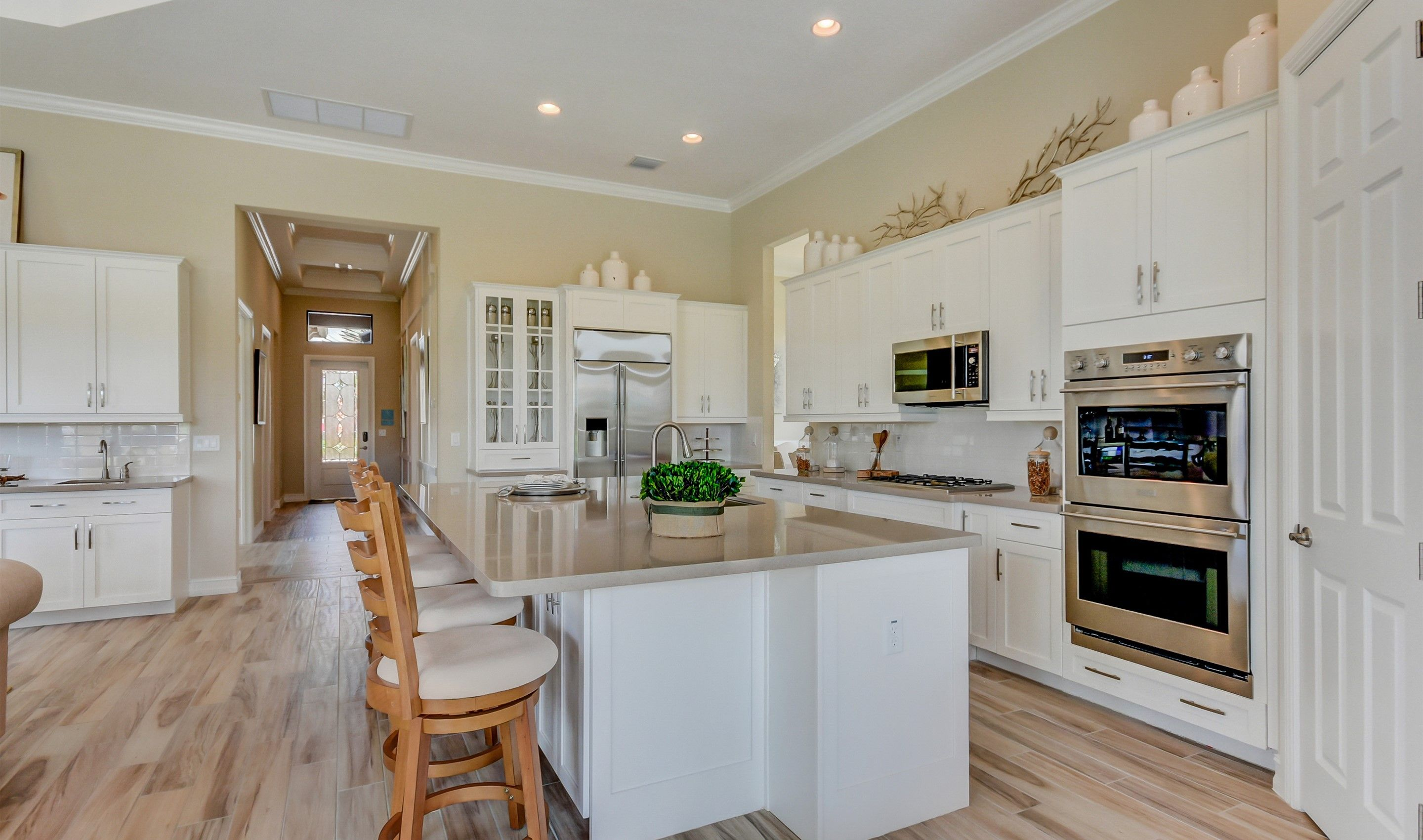 Kitchen-in-Everett-at-K. Hovnanian's® Four Seasons at Parkland-in-Parkland