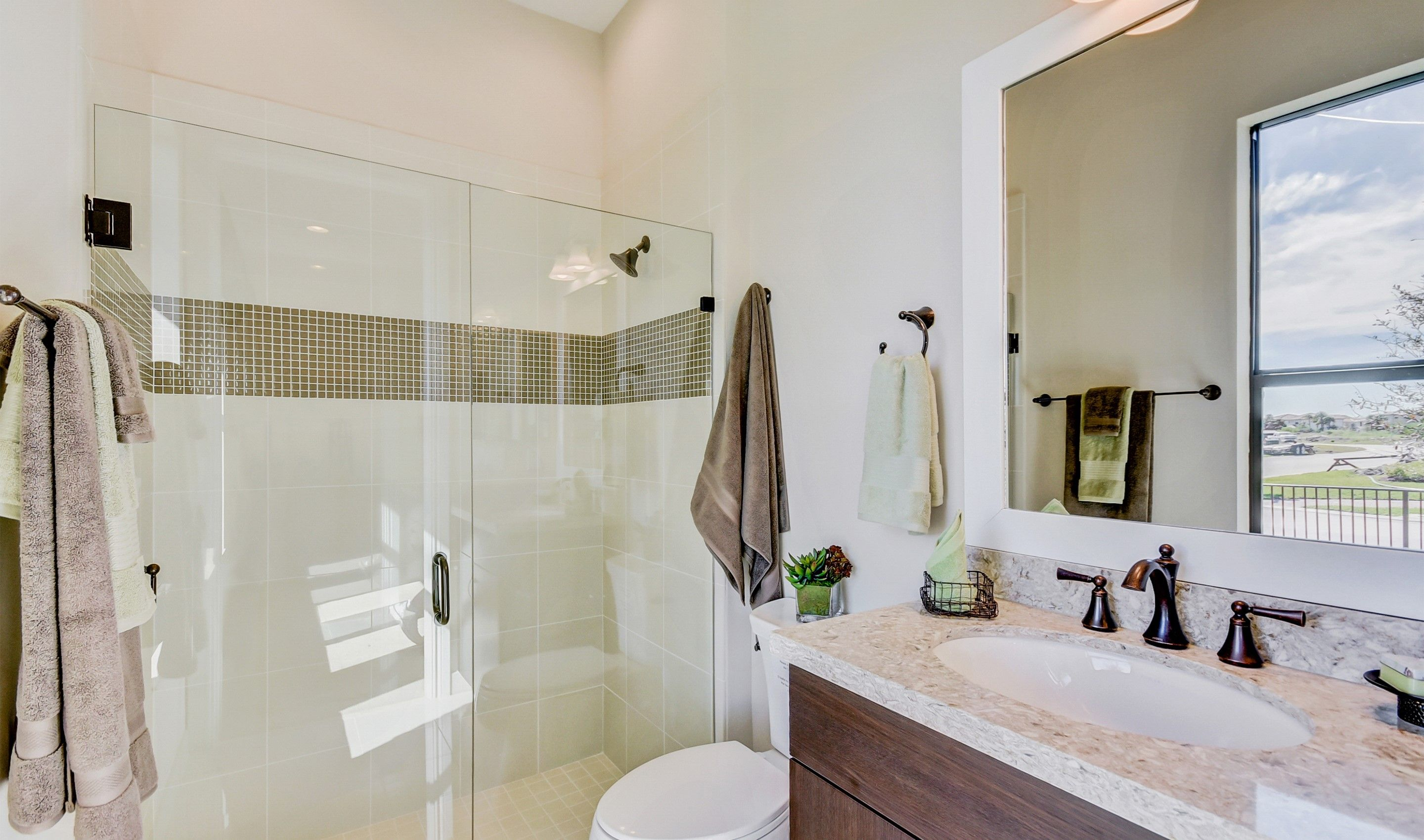 Bathroom featured in the Clover By K. Hovnanian's® Four Seasons
