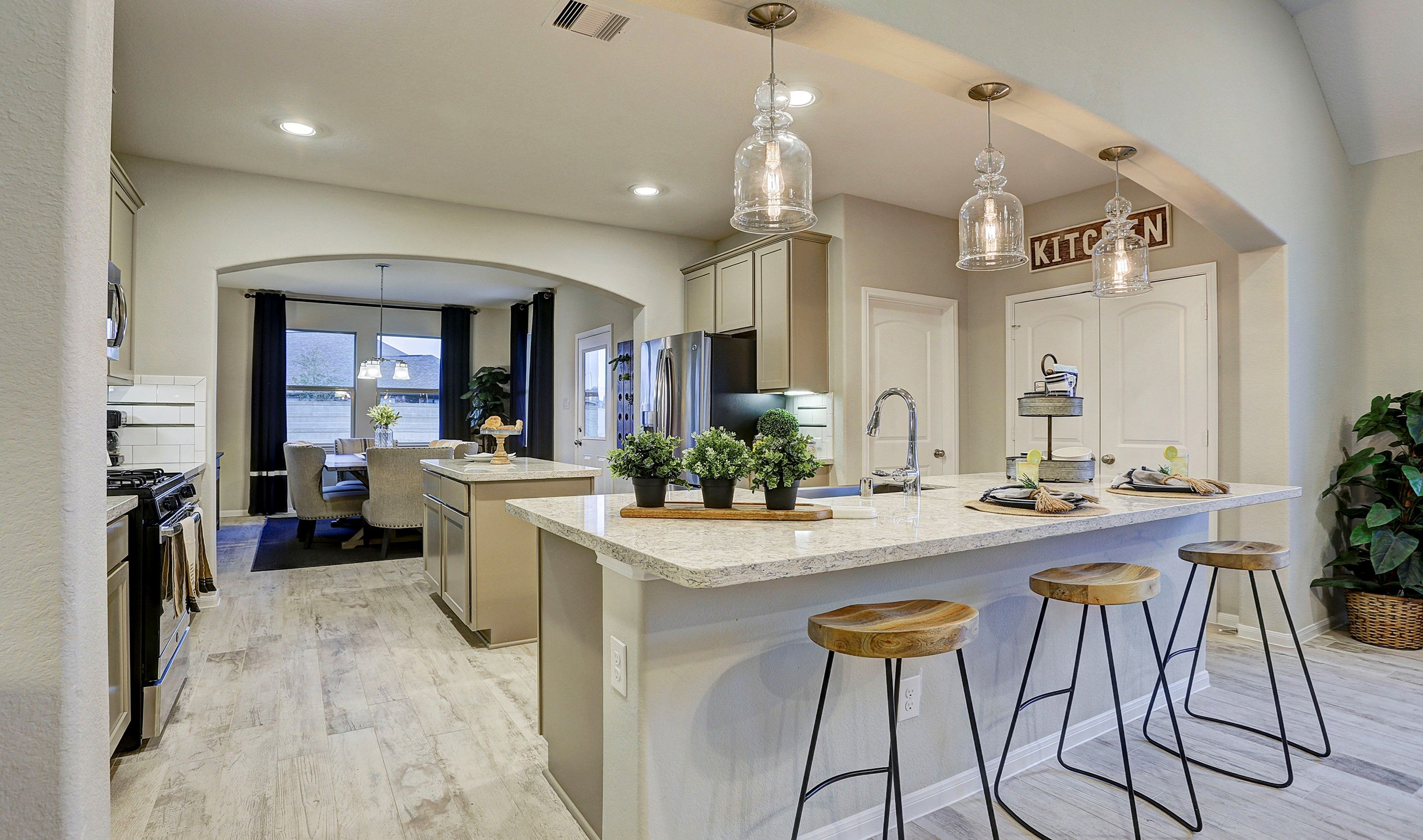 Kitchen-in-Juniper II-at-Woodshore-in-Clute