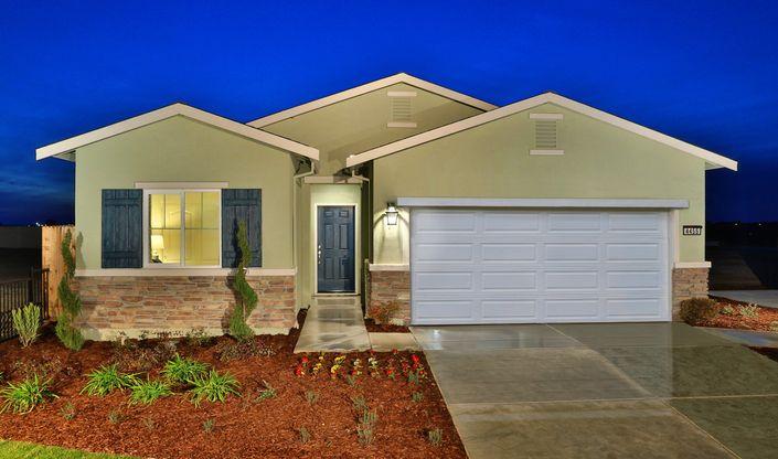 yosemitie-exterior-dusk-aspire-at-bellevue-new-homes-merced-ca