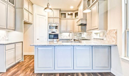 Kitchen-in-Riverchase-at-Palisades-in-Richardson