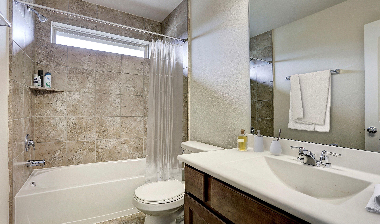 Bathroom-in-Bella II-at-Woodshore-in-Clute