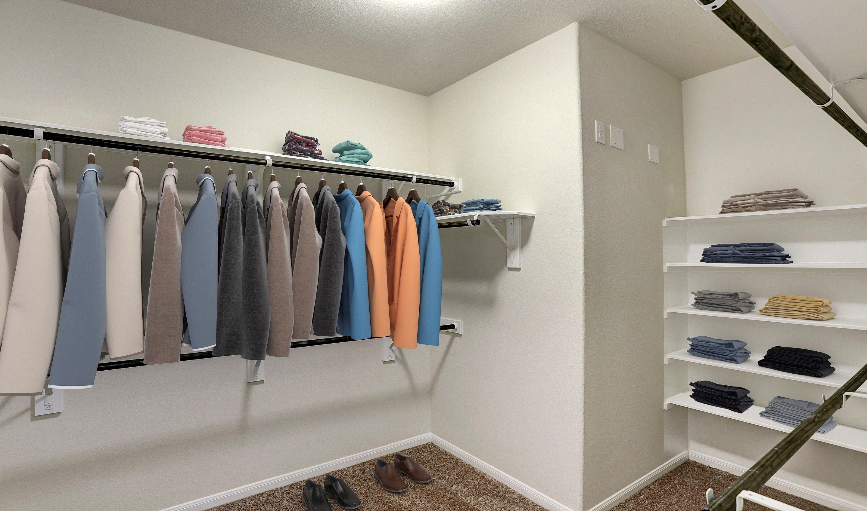 Closet-in-Bella II-at-Woodshore-in-Clute