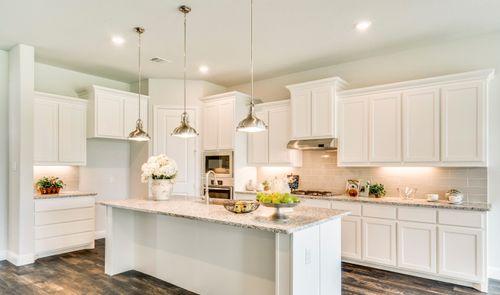 Kitchen-in-Clarendon III-at-Trailwood-in-Roanoke