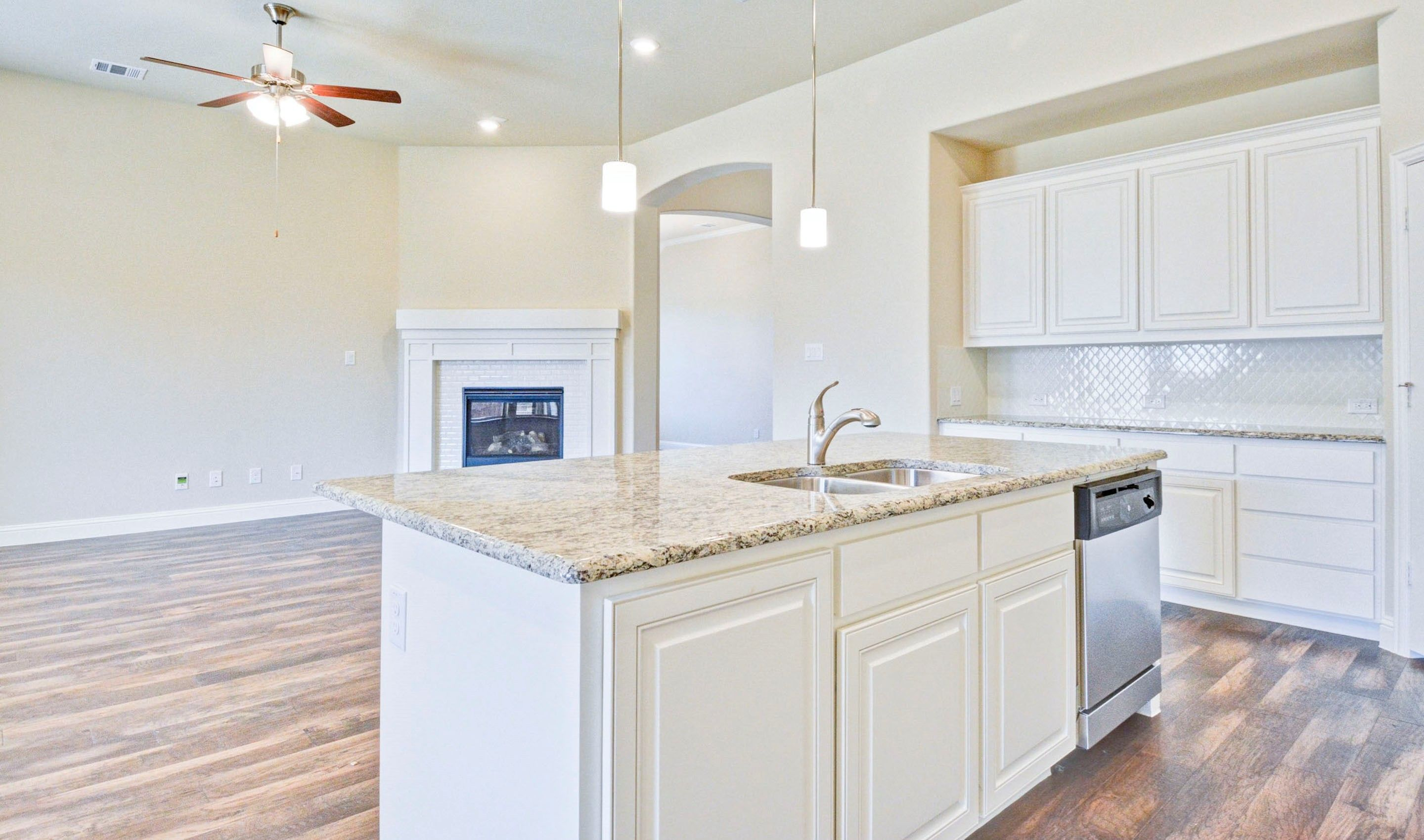 Kitchen-in-Kingswood II-at-Liberty-in-Melissa